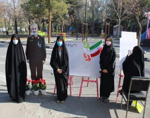 مصاحبه دانش آموزان با مردم در سالروز شهادت سردار سلیمانی