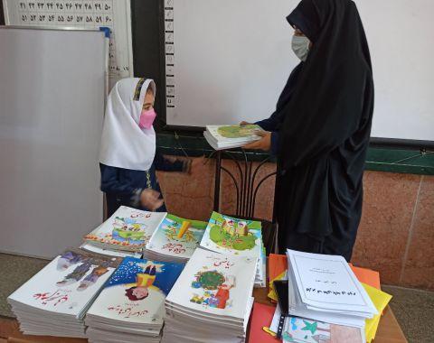 برگزاری جلسه آشنایی دانشآموزان با آموزگاران